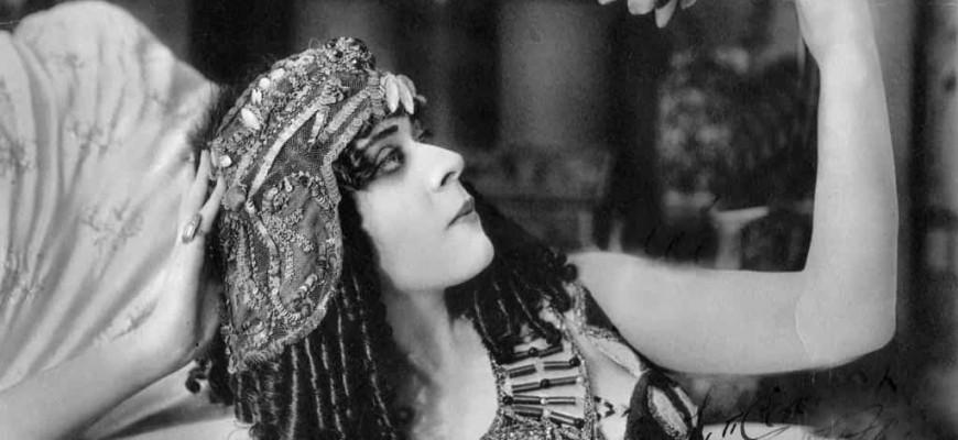 cleopatra-min