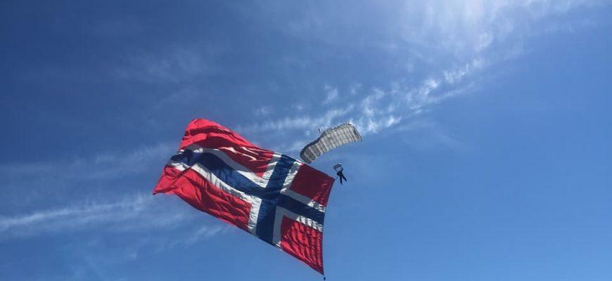 bandera-noruega-min